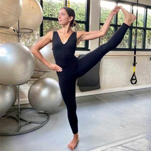 A Bruxelles, ylvia anime les cours de Vinyasa yoga